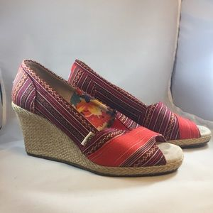 Tom's peep toe espadrille wedges